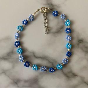 Sunday blues daisy chain bracelet